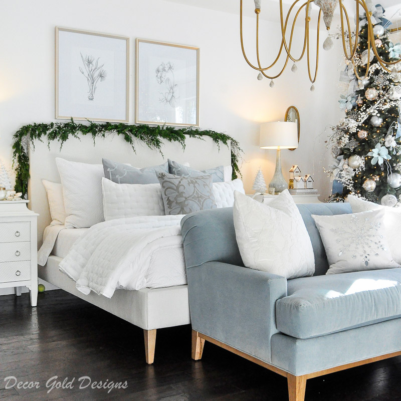 Christmas Bedroom – Dressed for the Holidays