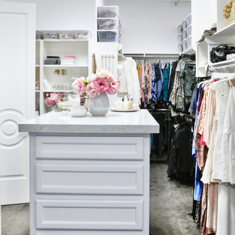 How to Create an Organized Closet