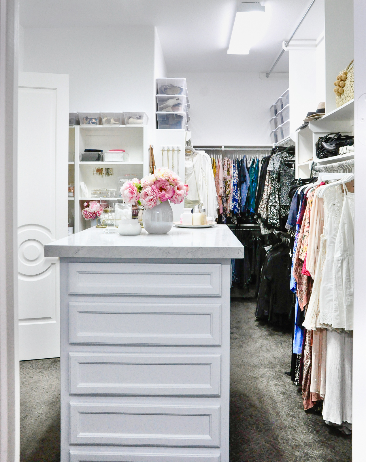 create beautiful organized closet