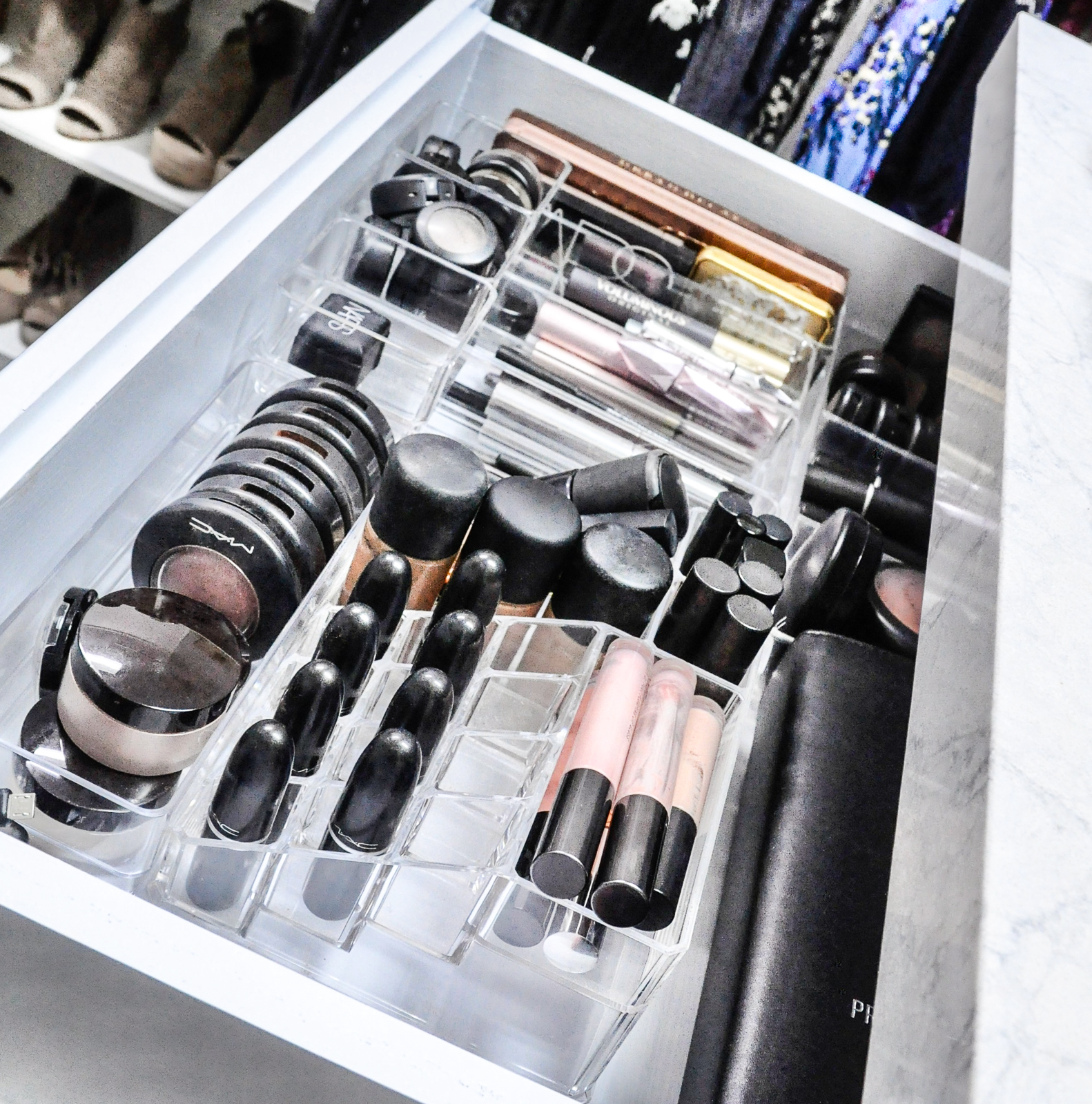 create beautiful organized closet makeup drawer