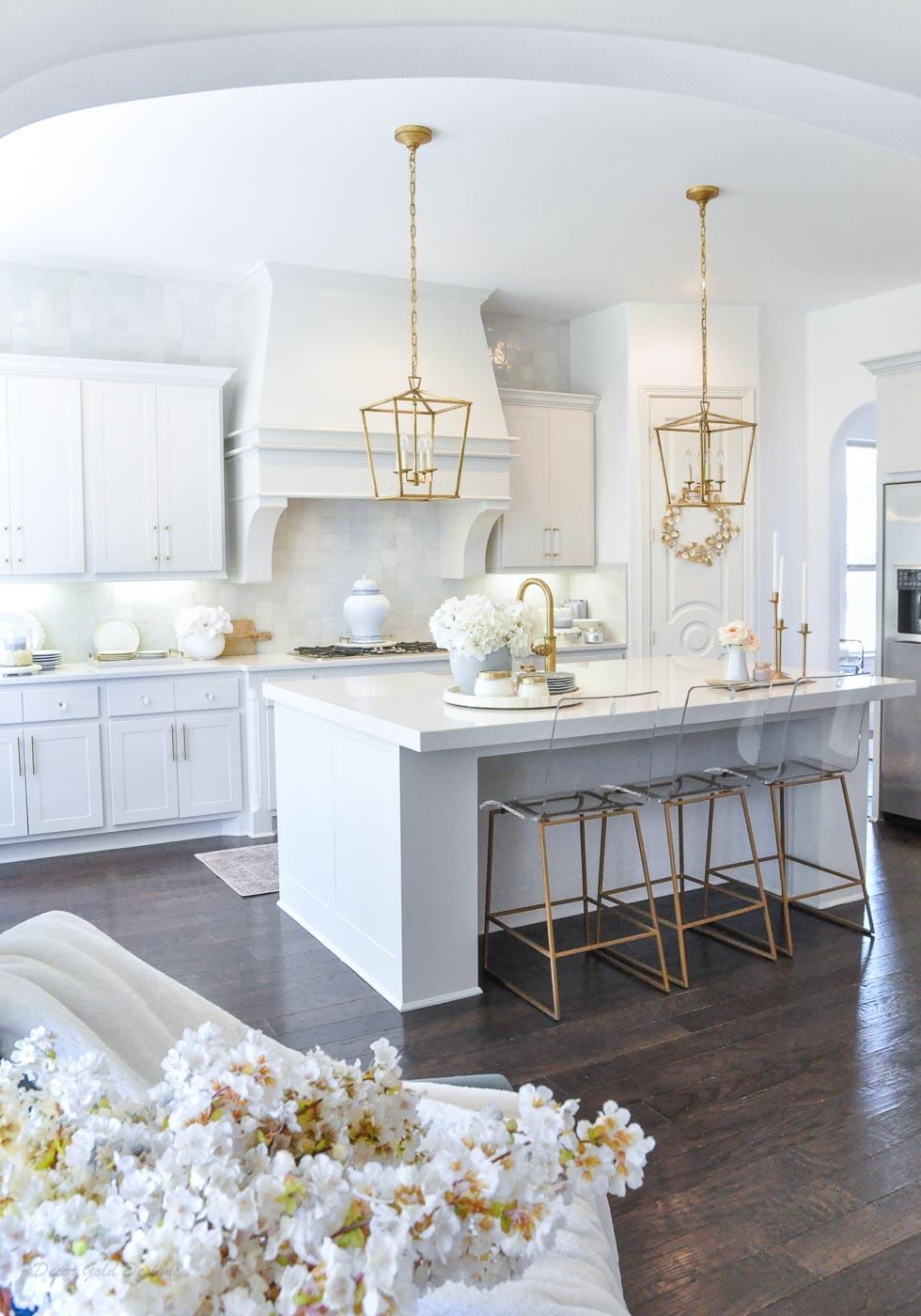 Winter white gold kitchen dining