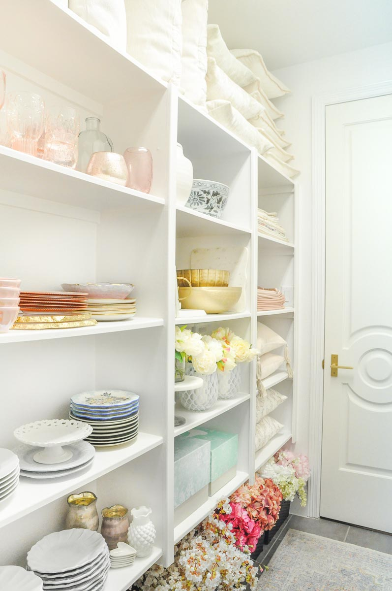 Beautiful entertaining closet home decor items